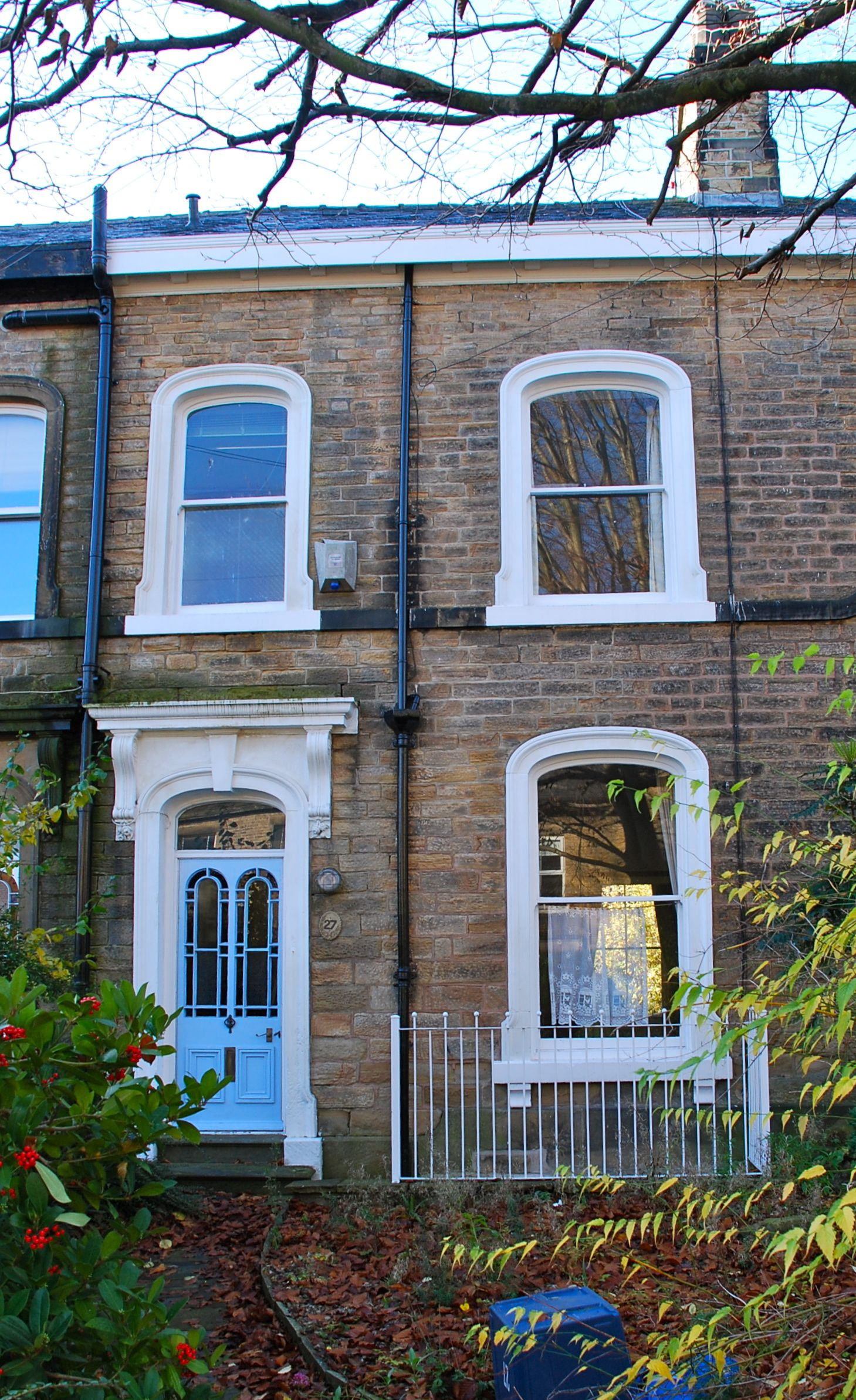 Arched window Terraced house